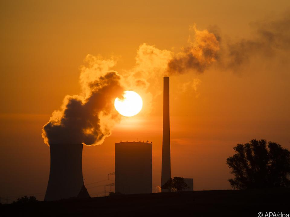 Das Kohlekraftwerk Mehrum liefert Strom auch ohne Sonne und Wind
