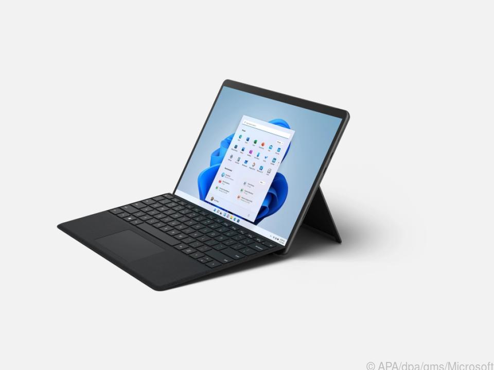 Das Surface 8 Pro ist im Vergleich zum Vorgänger dünner, sein Display fast randlos