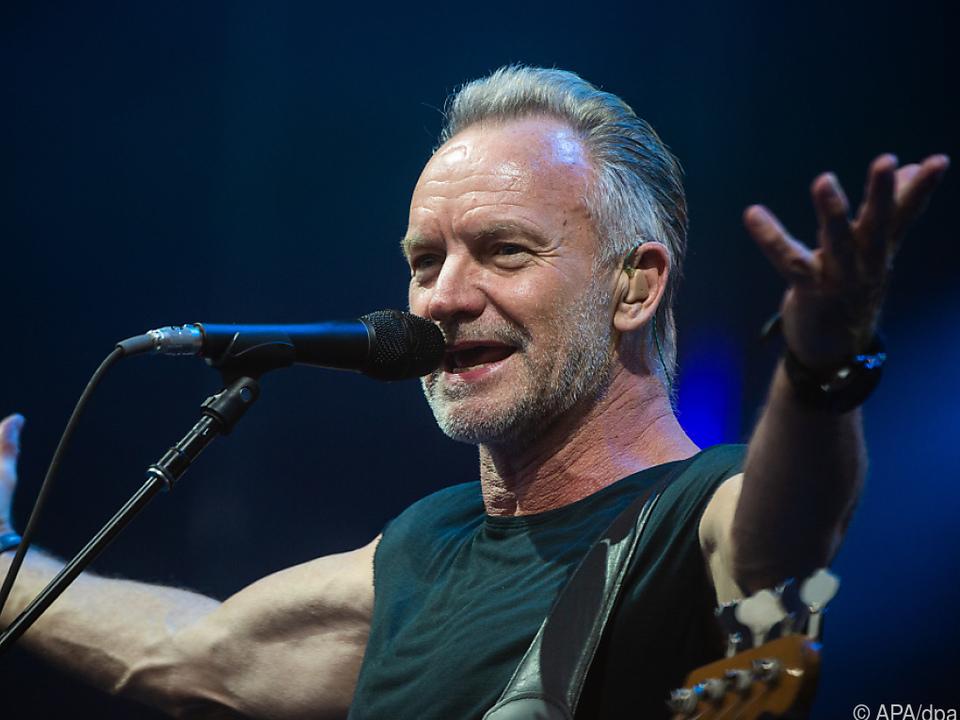 Der Sänger Sting spielt besucht die Hansestadt Hamburg