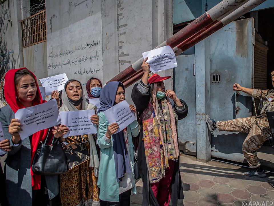 Die Frauen nehmen die Diskriminierung durch die Taliban nicht hin