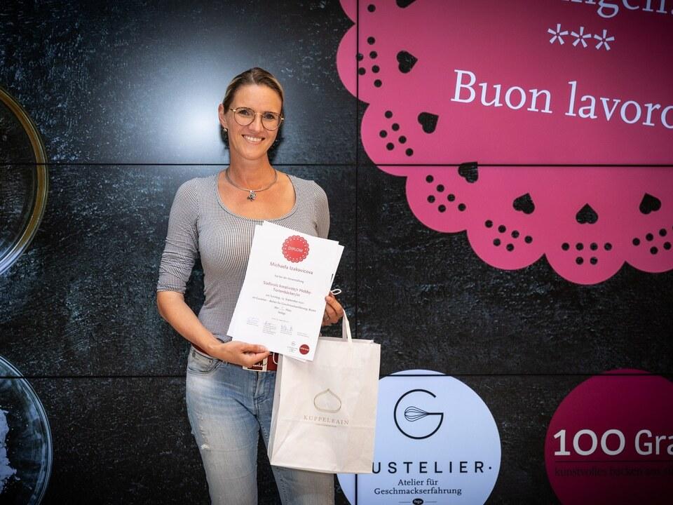 Die Gewinnerin Michaela Izakovicova – Südtirols kreativste Hobby-Tortenbäckerin 2021