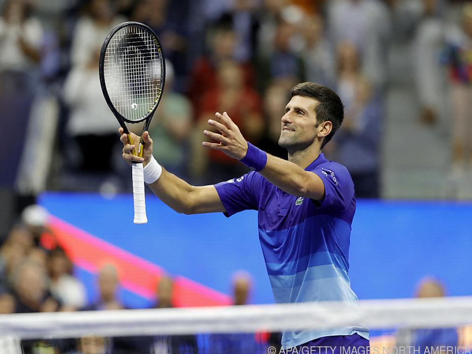 Djokovic mit guter Leistung in die dritte Runde