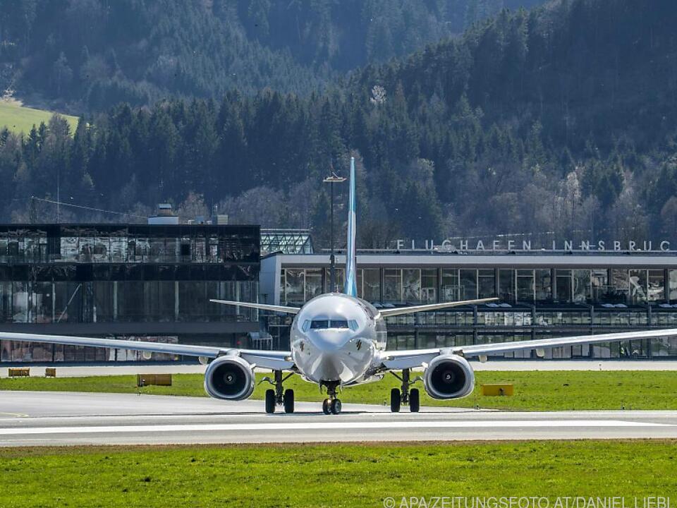 Flughafen Innsbruck von Montag bis 18. Oktober wegen Sanierung zu sym