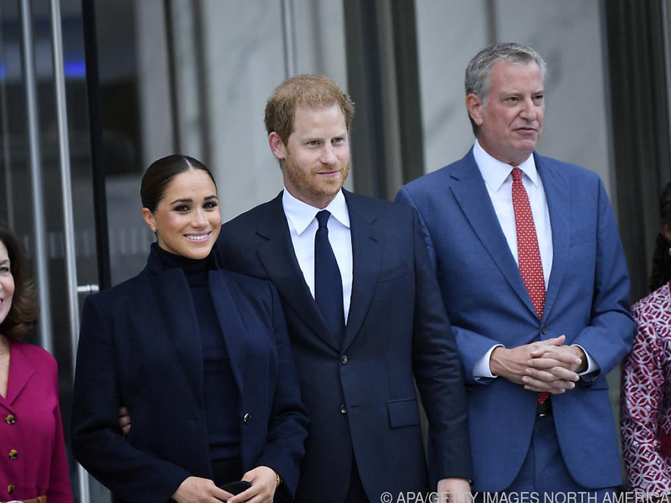 Gouverneurin Hochul, Meghan, Prinz Harry und Bürgermeister De Blasio