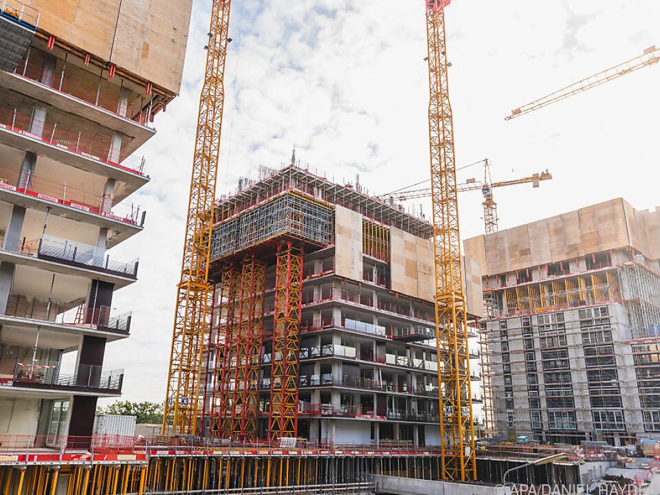 Hoher Preisanstieg vor allem bei Neubauwohnungen baustelle wohnung sym neubau wohnbau arbeit