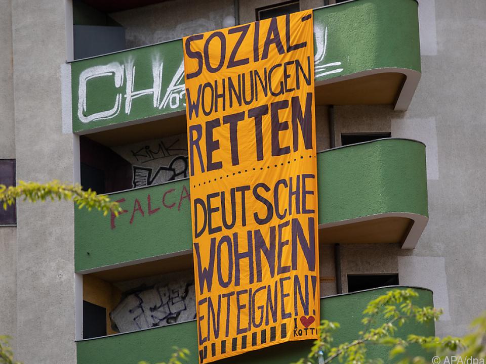 Immobilienriesen sehen sich Protest wegen steigender Mieten gegenüber