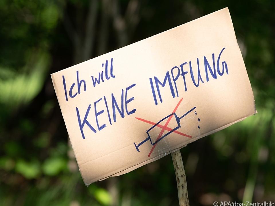 impfung sym Impfgegner Impfmuffel Impfverweigerer bekommen in Deutschland auch keine Entgeltfortzahlung