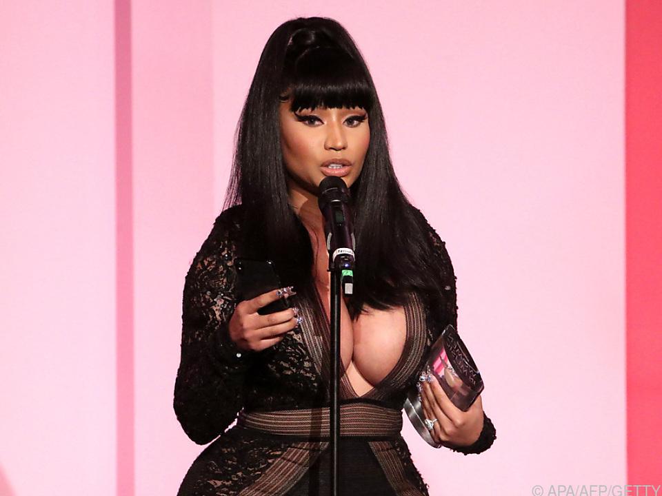 Nicki Minaj berichtete über Impotenz ihres Cousins durch Impfung