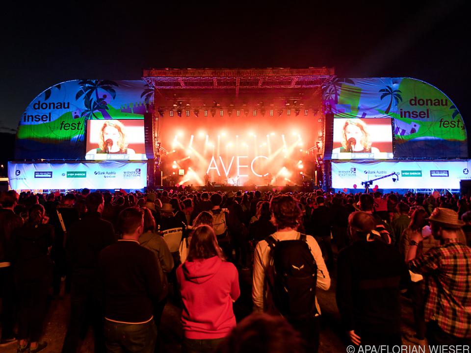Partystimmung trotz strenger Coronaregeln beim Donauinselfest-Auftakt