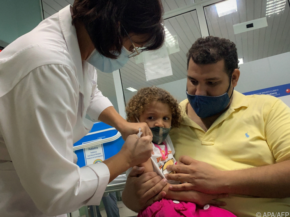 Rückkehr zum Präsenzunterricht erst nach Immunisierung der Schüler