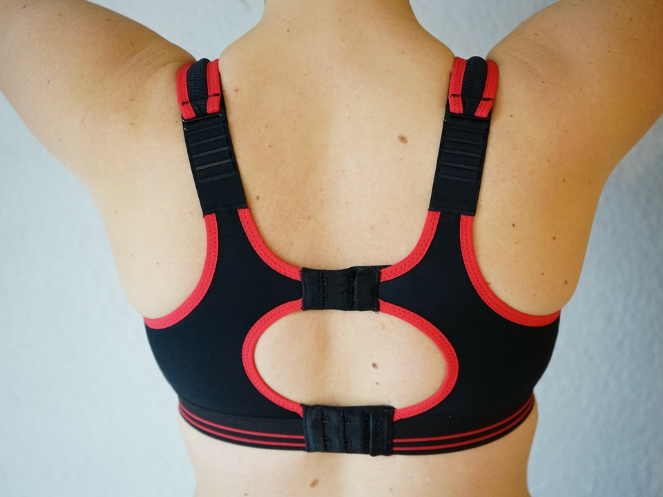 sports-bra-274947_1920