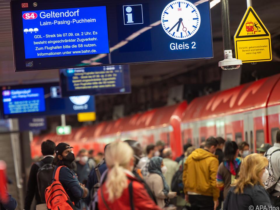 Streik bei deutscher Bahn dauert an