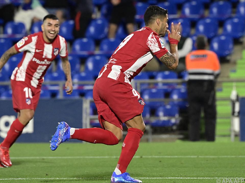 Suarez bei seiner Lieblingsbeschäftigung: dem Jubel nach dem Torerfolg