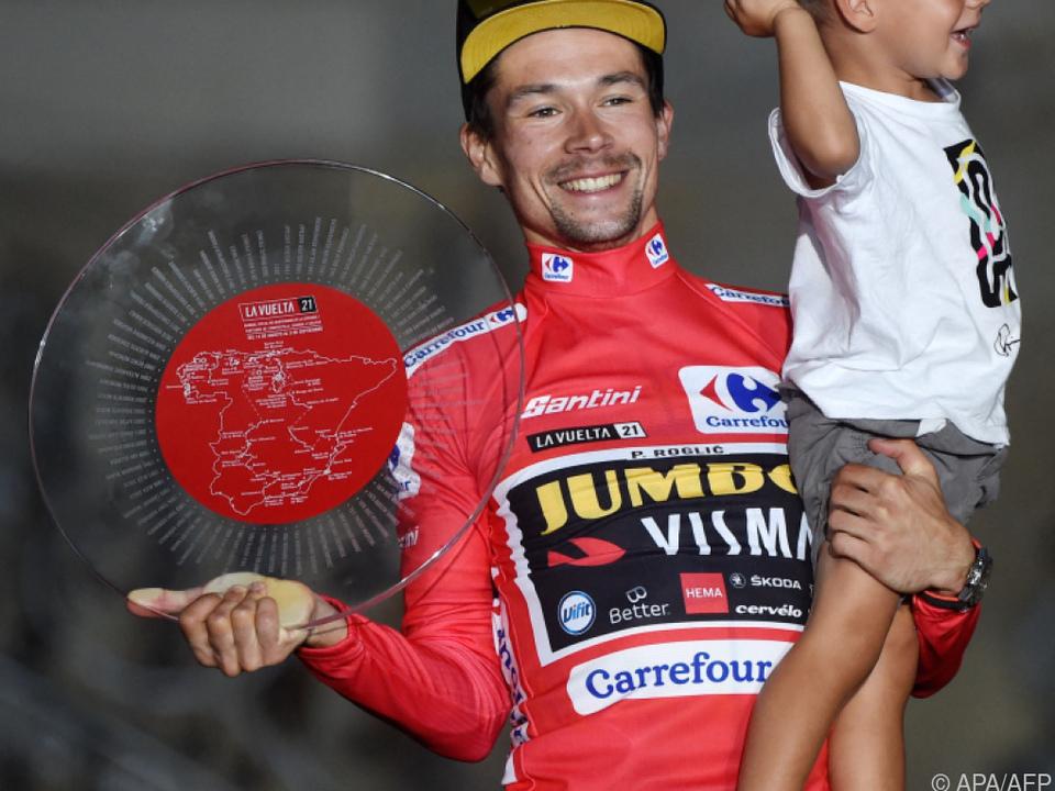 Vuelta-Sieger Roglic mit Sohn Lev