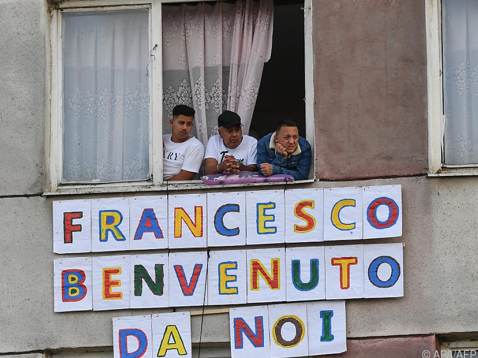 Warmer Empfang für den Papst in Roma-Elendssiedlung