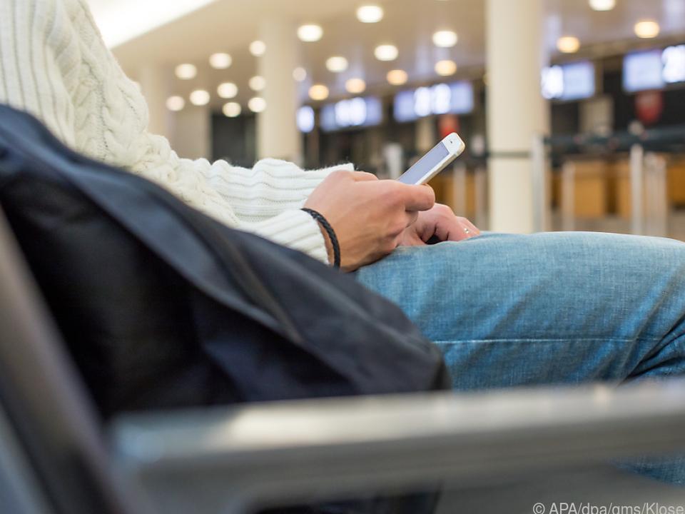 Wo es Flughafen-WLAN-Netzwerke gibt verrät der Reiseblog \