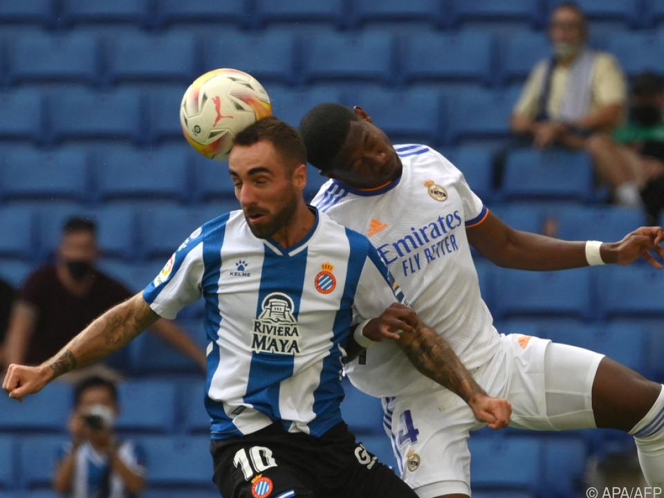 Alaba (r.) streckte sich gegen Espanyol vergeblich