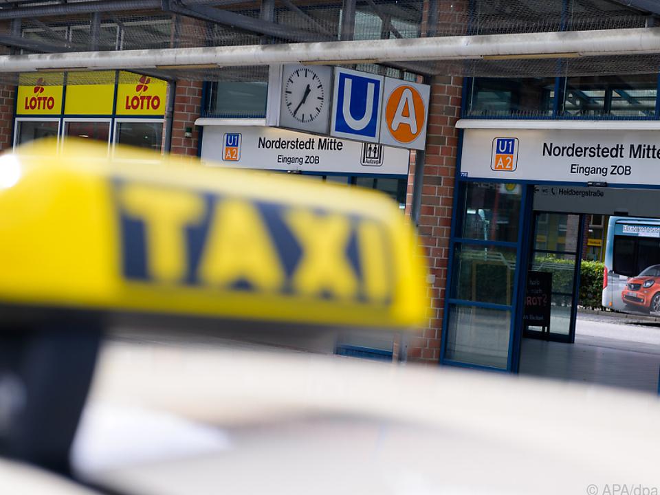 Angeklagte war ins Taxi gestiegen -  Prozess bis 19.10. unterbrochen