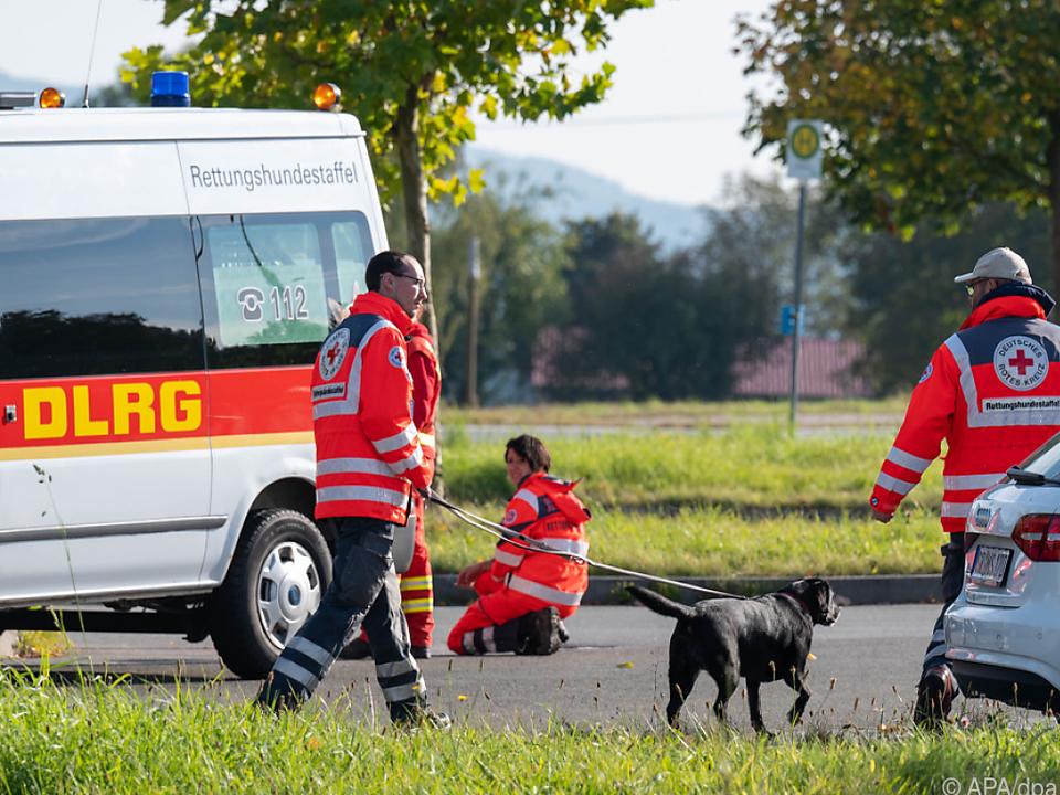 Auch Hunde waren bei der Suche im Einsatz