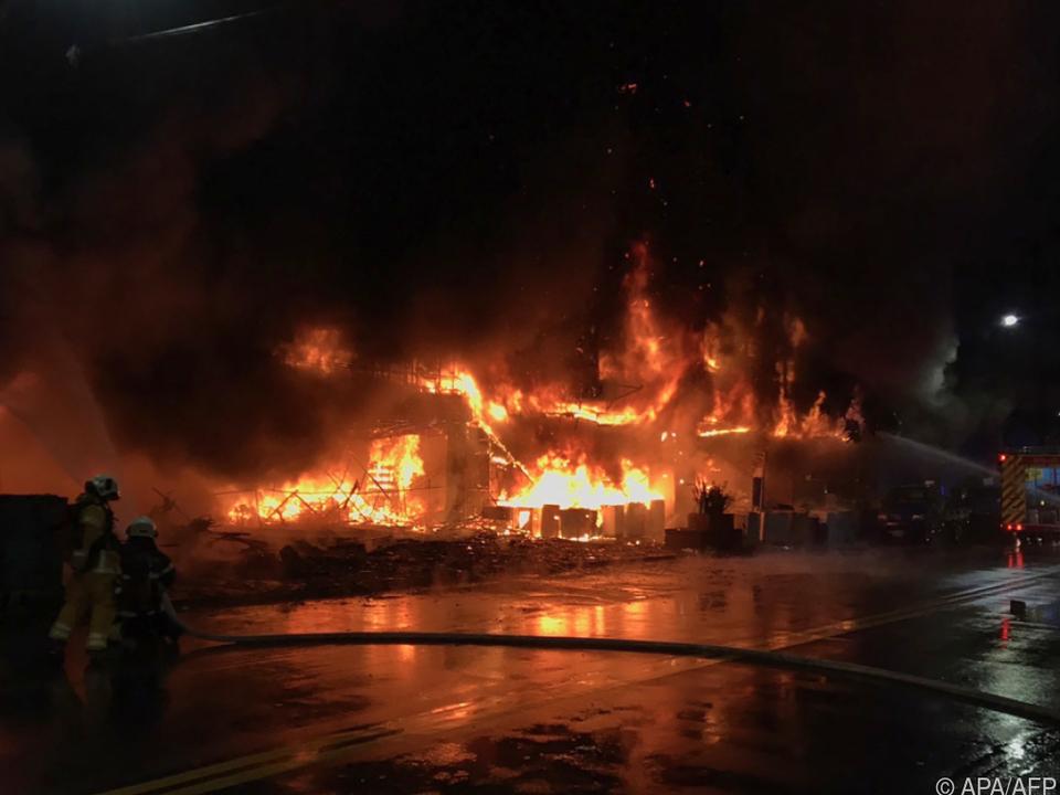 Brand offenbar im ersten Stock ausgebrochen