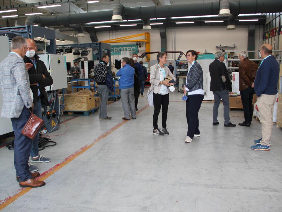 Delegation in der Firma Microtec (c) hk
