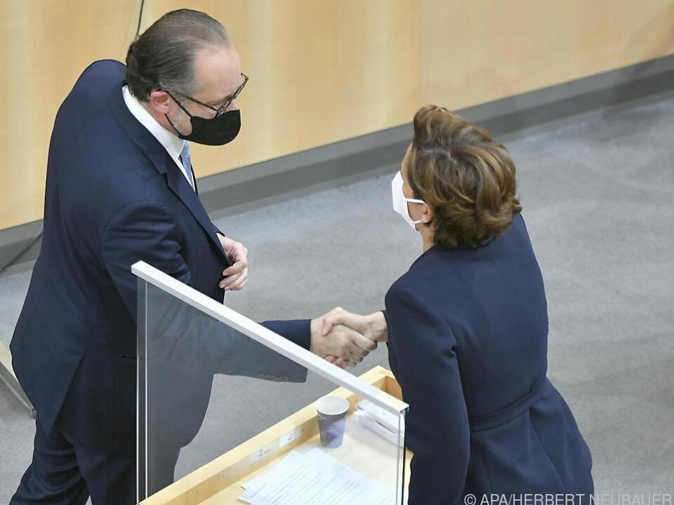 Der neue Kanzler sucht auch Kontakt zur Opposition