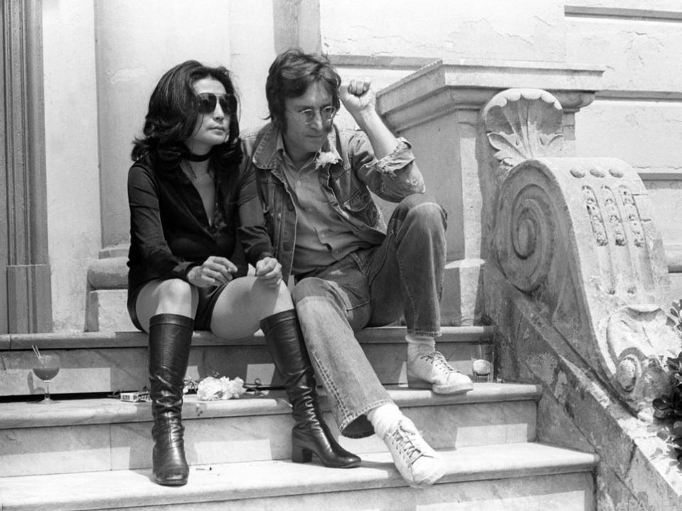 Die Grundidee zum Song hatte Lennon aus einem Gedichtband von Yoko Ono