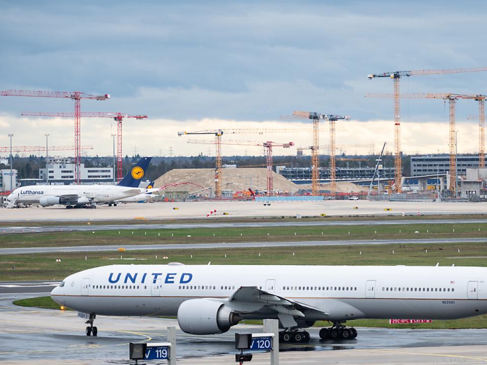 Impfunwilligen droht die Kündigung bei United Airlines