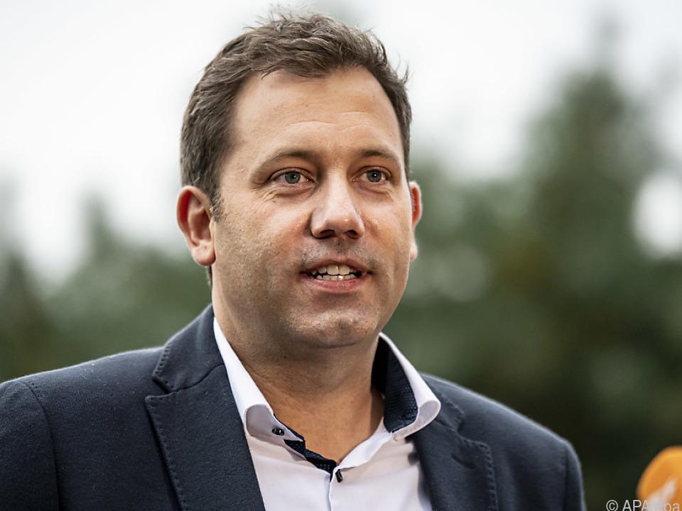 Klingbeil hofft auf baldige Dreiergespräche mit den Grünen und der FDP