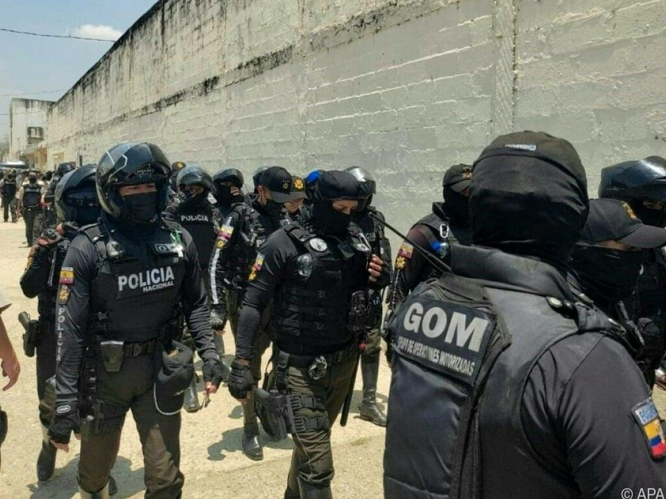 Mehr als 100 Häftlinge bei Bandenkämpfen getötet