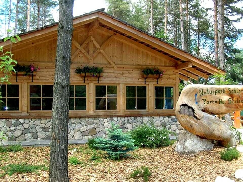 Naturpark Schlern_Infostelle-voelser-weiher-1200
