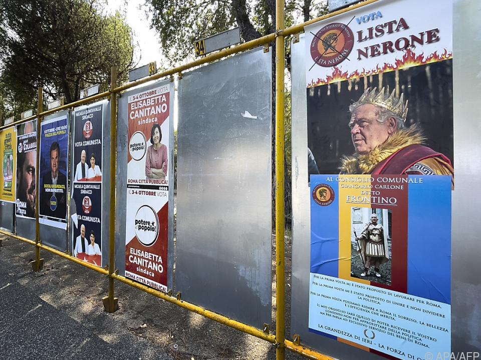Plakate für Kommunalwahl in Rom