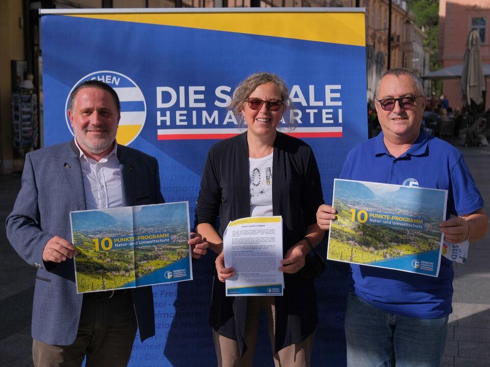 Pressekonferenz - 10-Punkte-Proramm für Natur- und Umweltschutz vorgestellt - Peter Enz, Josefa Brugger, Josef Dellagiacoma (v.l.n.r.)
