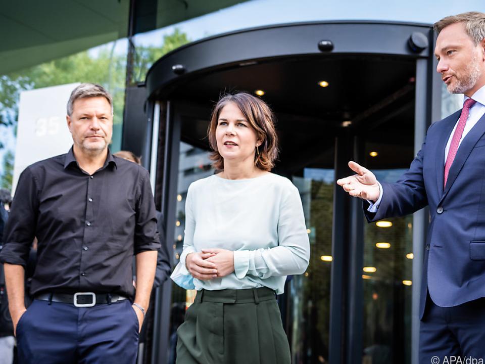 Robert Habeck, Annalena Baerbock und Christian Lindner nach den Gesprächen