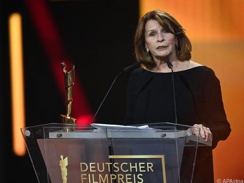 Senta Berger, spricht bei Verleihung des Deutschen Filmpreises 2021