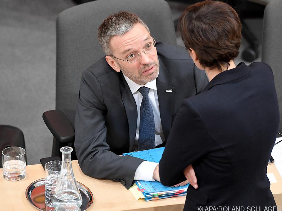 SPÖ und FPÖ führen am Samstag Gespräche zur Regierungskrise.