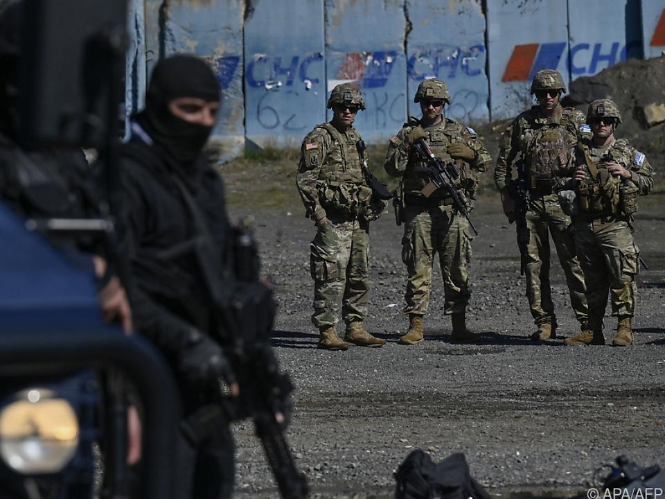 US-Soldaten patrouillieren an serbisch-kosovarischer Grenze