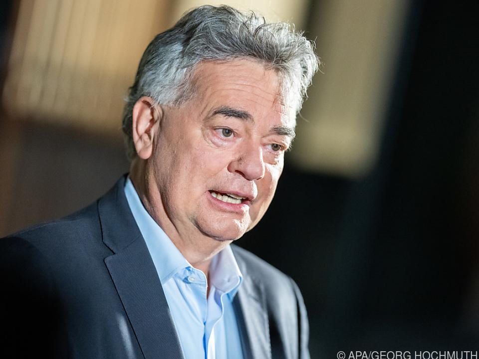 Vizekanzler Kogler sieht den Ball bei der ÖVP