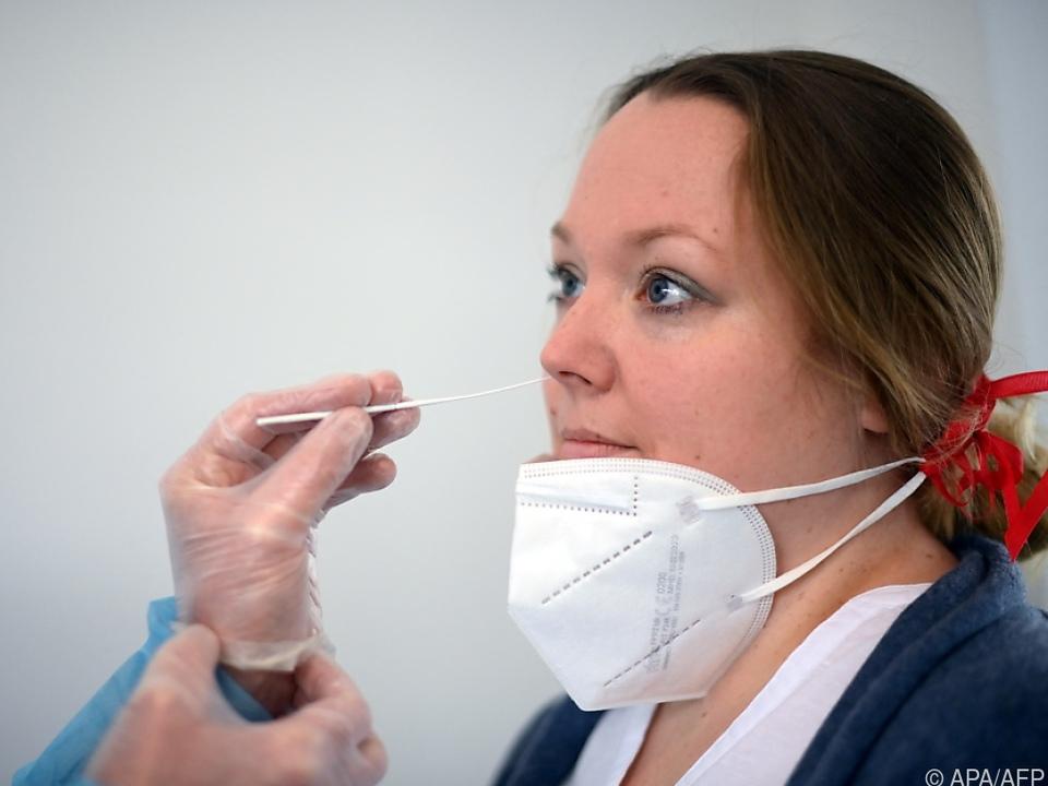 Zahl der Neuinfektionen liegt unter dem Sieben-Tages-Schnitt