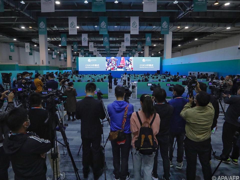 Zahlreiche Medienvertreter bei der Weltnaturkonferenz in Kunming